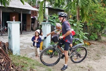 Dovolenka  - Vietnam - Podél vietnamského pobřeží s kolem