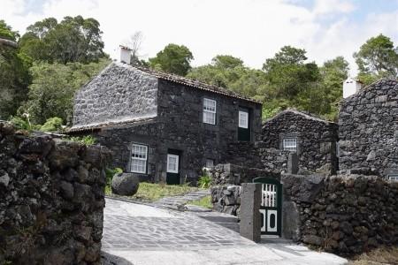 Dovolenka  - Portugalsko - Houses In Pico