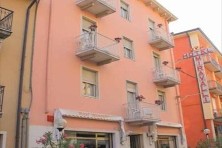 Hotel Miravalli***