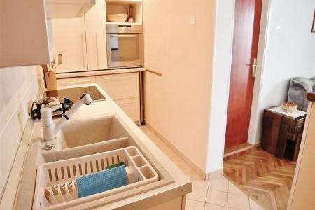 Apartment Klara / A1 One Bedroom