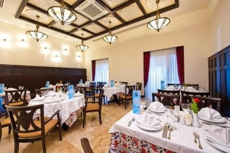 Turecko Antalya Melas Lara - Rodinná Izba 15 dňový pobyt Ultra All inclusive Letecky Letisko: Bratislava jún 2021 (30/06/21-14/07/21)
