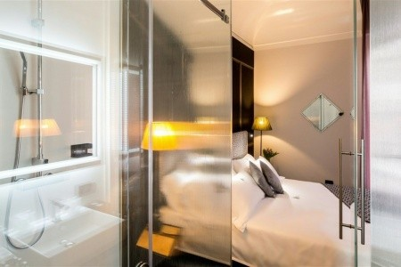 The H´all Tailor Suite