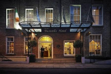 Dovolenka  - Írsko - Buswells Hotel