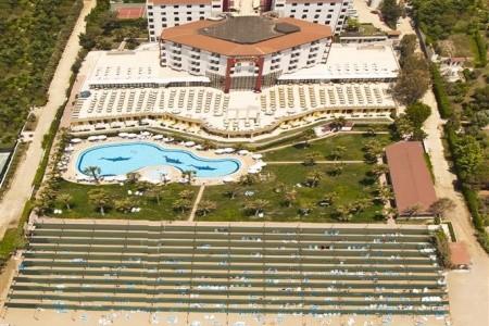 Cesars Hotel Side