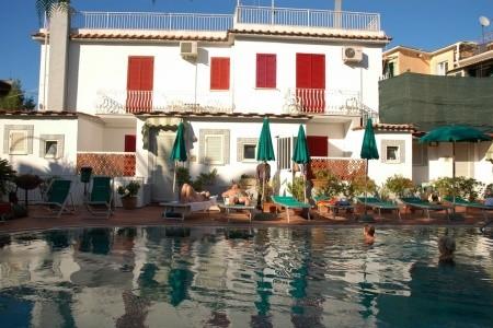 Hotelový Komplex Charme Hotel La Villa Tina