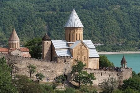 Dovolenka  - Gruzínsko - TAJEMNÁ A BÁJNÁ GRUZIE