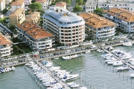 Hotel Laguna Palace