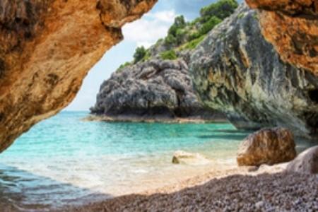 Viete, kde si užíval milostné hry boh Poseidon?