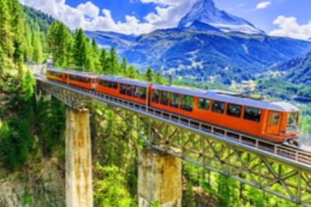 Vstúpte do švajčiarskeho neba: Panoramatické vlaky vás dostanú!