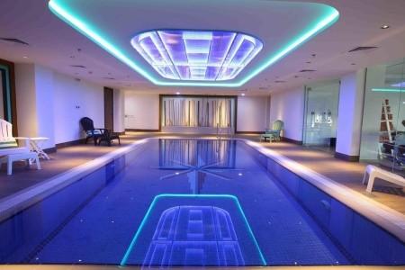 Spojené arabské emiráty Dubaj Ibis Styles Hotel Jumeirah Dubai 7 dňový pobyt Raňajky Letecky Letisko: Viedeň august 2020 (29/08/20- 4/09/20)