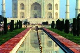 NEPÁL - INDIE - KOMFORTNĚJI - Posvátná místa pod Himálajem