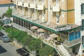 Hotel Stradiot S Bazénem - Rivabella / Rimini