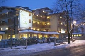 Hotel Canada S Bazénem Pig- Pinzolo