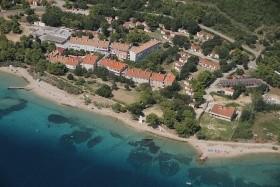 Komodor Hotel - **