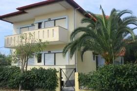 Vila Christos - Bus, Vlastní Doprava