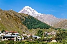 Výstup na Kazbek a trek voblasti Kazbegi