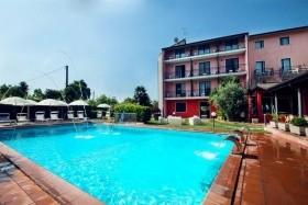 Hotel Maraschina