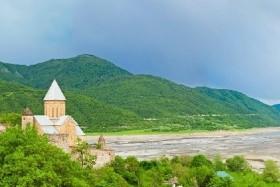 Krásná příroda, poutavá historie a malebné pláže - Poznávací zájezd Gruzie