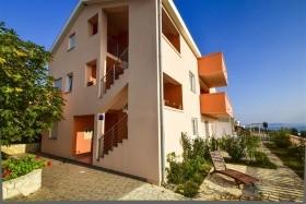 Apartments Komadina