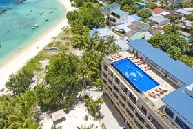 Hotel Season Paradise