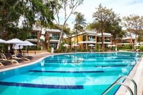 Hotel Nirvana Lagoon Villas, Suites Spa