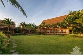 Lanta Casuarina Beach Resort