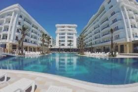 Fafa Grand Blue Resort