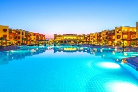 Hotel Royal Tulip Beach Resort & Aquapark