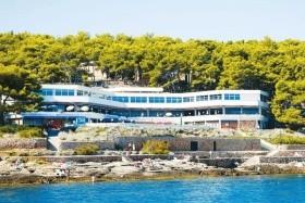 Ostrov Hvar - Hotelový Komplex Fontana 2*