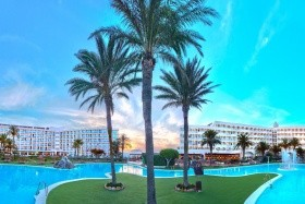 Zoraida Park And Garden Resort