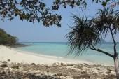 Pláž rezortu pri prílive