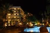 večerný hotel