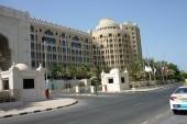 vedlejší hotel Al Hamra Palace