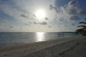 Holiday Island - pohled z plážového baru