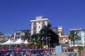 hotel San Pietro, pohled z pláže