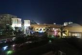 Bab al Bahr v noci