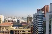 Výhled ze střechy hotelu