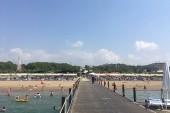 pláž z móla