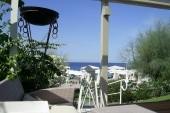 pohľad z baru na pláží