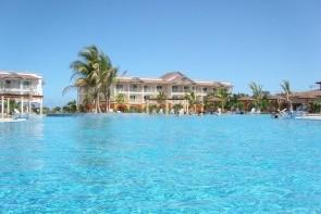 Memories Flamenco Beach Resort