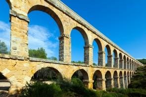 Rímský akvadukt Pont de les Ferreres (Diablov most)