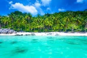 Pláž Maenam