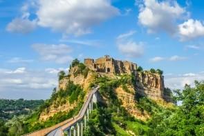 Vymierajúca dedina Civita di Bagnoregio