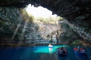 Jaskyne Melissani