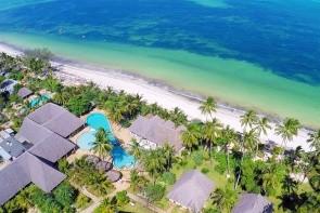 Uroa Bay Beach