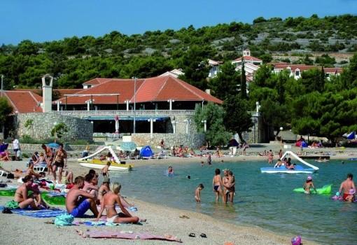 Holiday Village Jezera