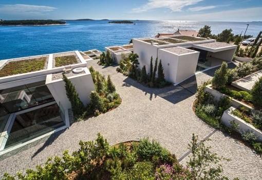 Golden Rays Resort