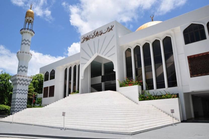 Piatočná mešita v Male