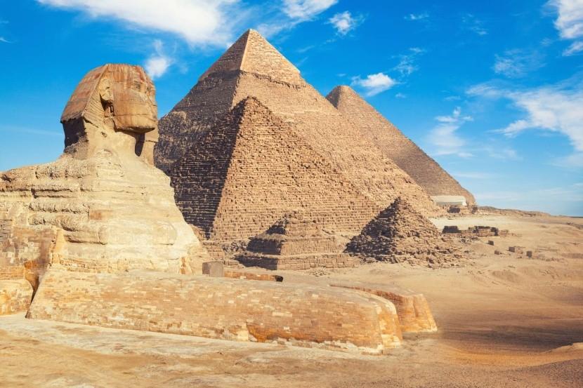 Pyramídy a sfinga