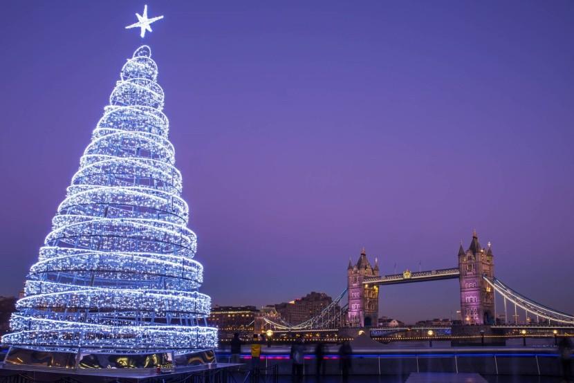 Vianočný Tower Bridge